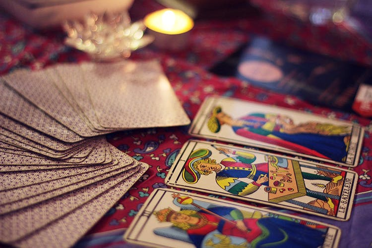 singapore tarot card reader